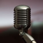 microphone-1448077_1920